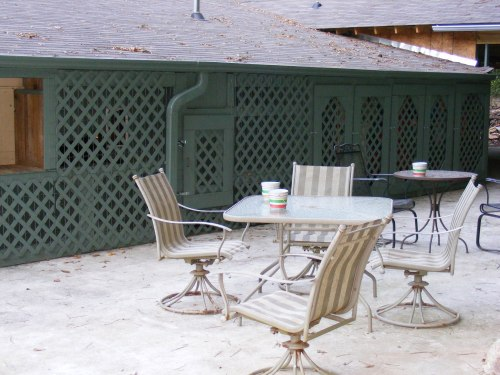 Can't wait to repaint that old patio set!